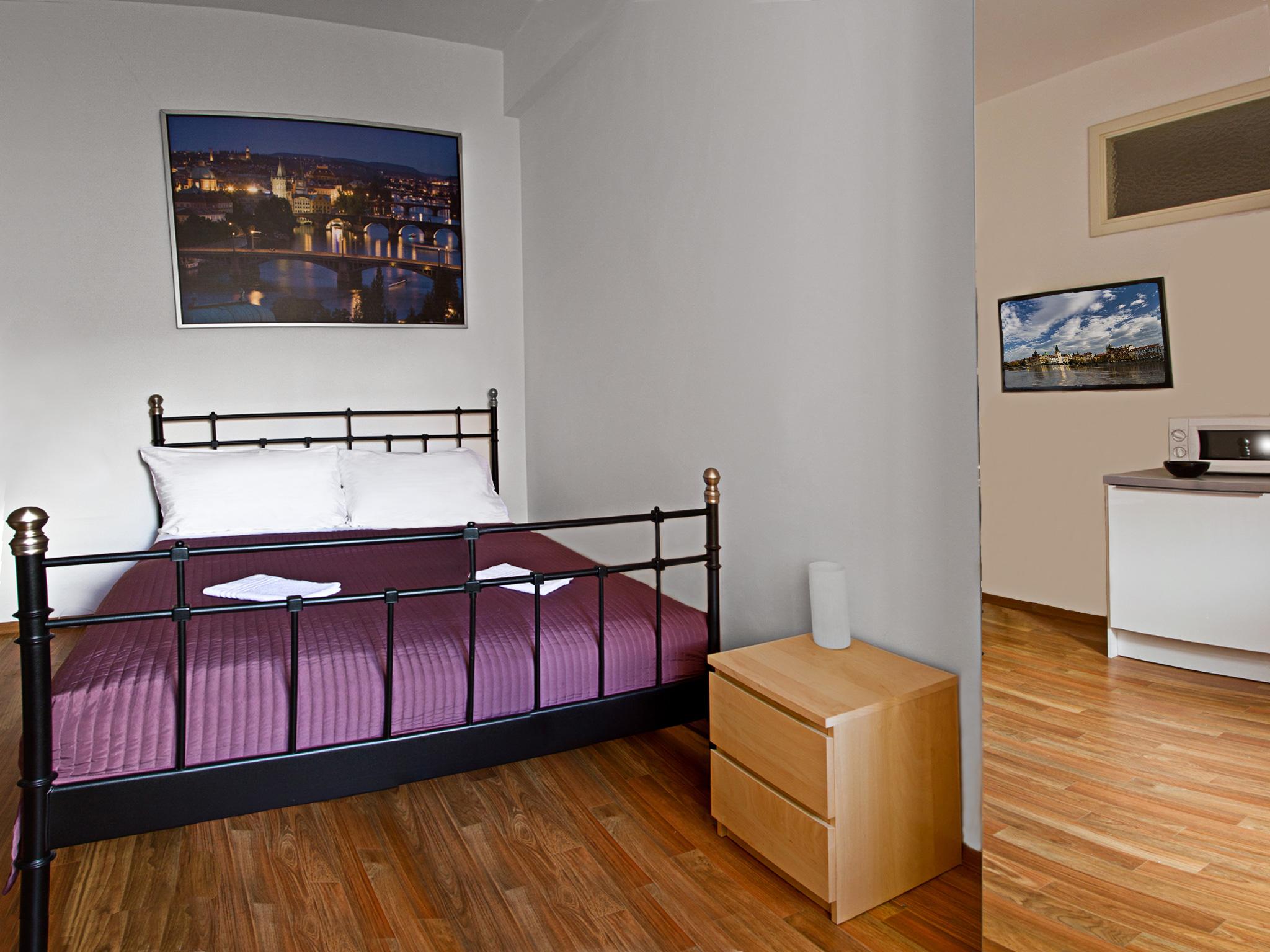 Charvatova-10 Studio Superior Apartments